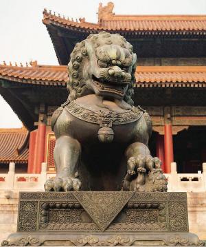 ...狮与人们的生活息息相关被誉为彩色的插页和东方的镇守使.